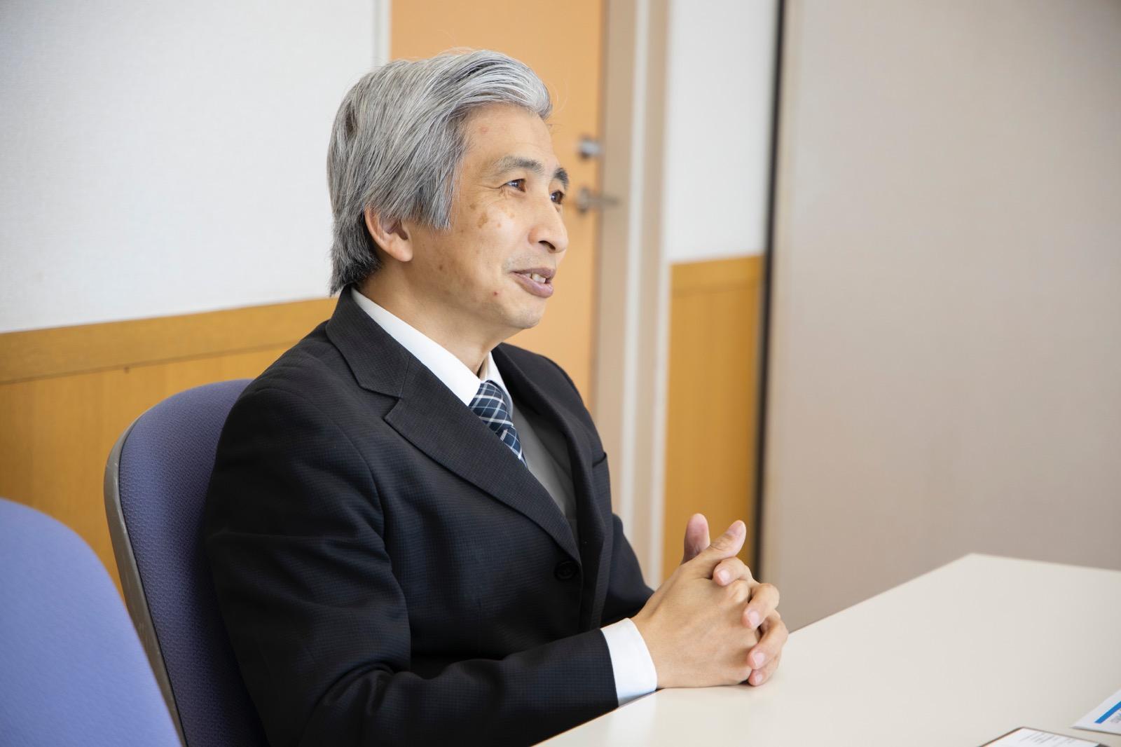 飯島健太郎 教授