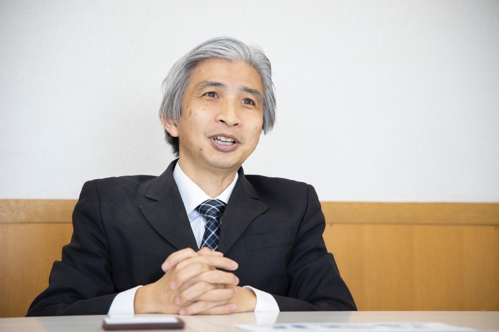 飯島 健太郎 教授